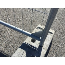 Plot de fixation pour la barrière grillagée T4SC 3.50m x 2m