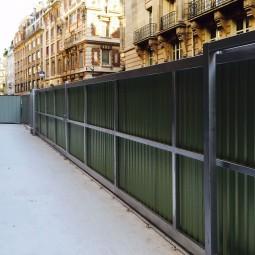 Installation du portail de chantier coulissant