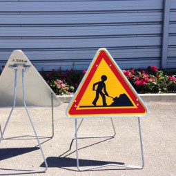 Panneau attention travaux AK5