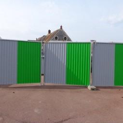 Portail de chantier avec 2 barrières