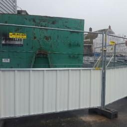 Barrière de chantier mixte ID PROTECH en bac acier