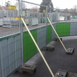 Barrière de chantier mixte et jambe de force
