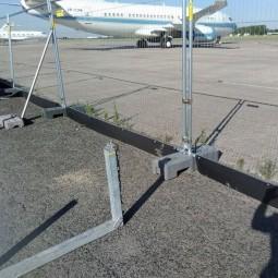 Système anti soulèvement avec collier de serrage pour chantier